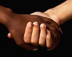 HOMOFOBIA E RACISMO