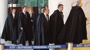 A NAÇÃO NO PELOURINHO JUDICIÁRIO
